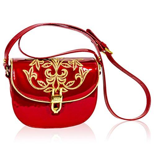 8274ca2c69ae Italian | Accessorising - Brand Name / Designer Handbags For Carry ...